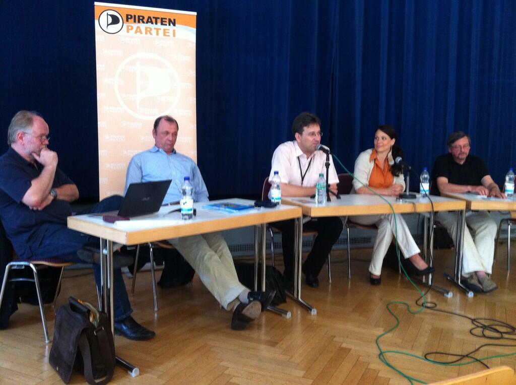 EUWIKON 3.0 - Panel mit Joachim Paul (NRW-Fraktion), Uwe Foullong (Verdi), Matthias Garscha (AG Geldordnung), Cornelia Otto (Spitzenkandidatin Berlin), Peter Wahl (Finance Watch)